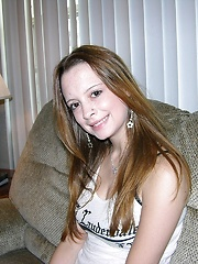 18 Year Old Amateur College Student Modeling And Getting Banged