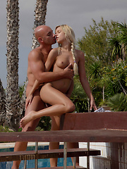 Watch Pablo fill Susie with his huge cock, she loves it