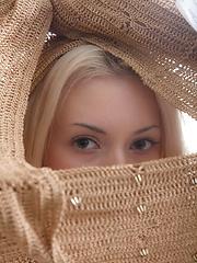 Beautiful blonde hottie shows off her snatch and masturbates