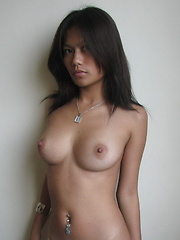 Hot Maan is very proud of her body, specially her superb natural boobies