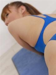 Reona Kanzaki in sexy blue swim suite