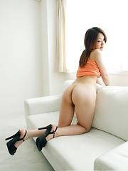 Japanese girl Ayano solo pics