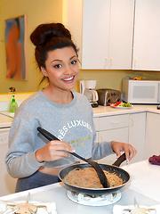 Teen girl Jaye Austin